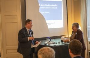 Caroline Ullman-Hammer, vd för Øresundsbro Konsortiet, här tillsammans med Øresundsinstituttets vd, Johan Wessman, berättade om planerna för Öresundsbrons 20-årsjubileum.
